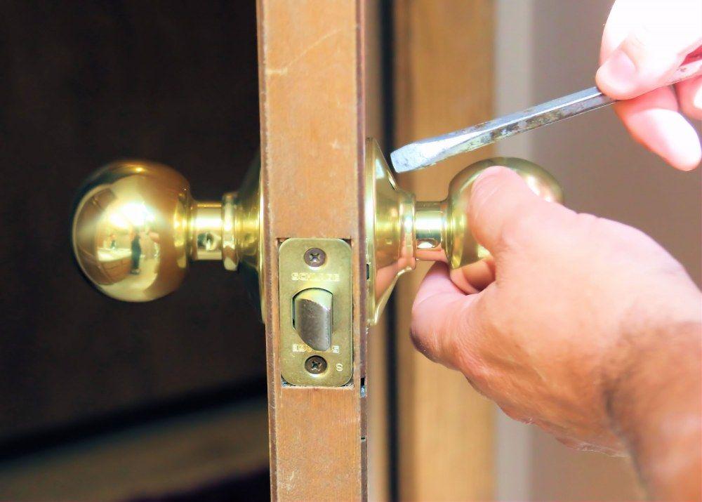 Taking off a door knob.jpg